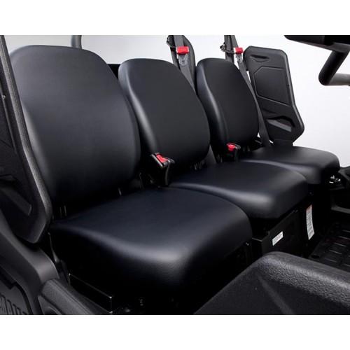 Spacious 3-seat layout